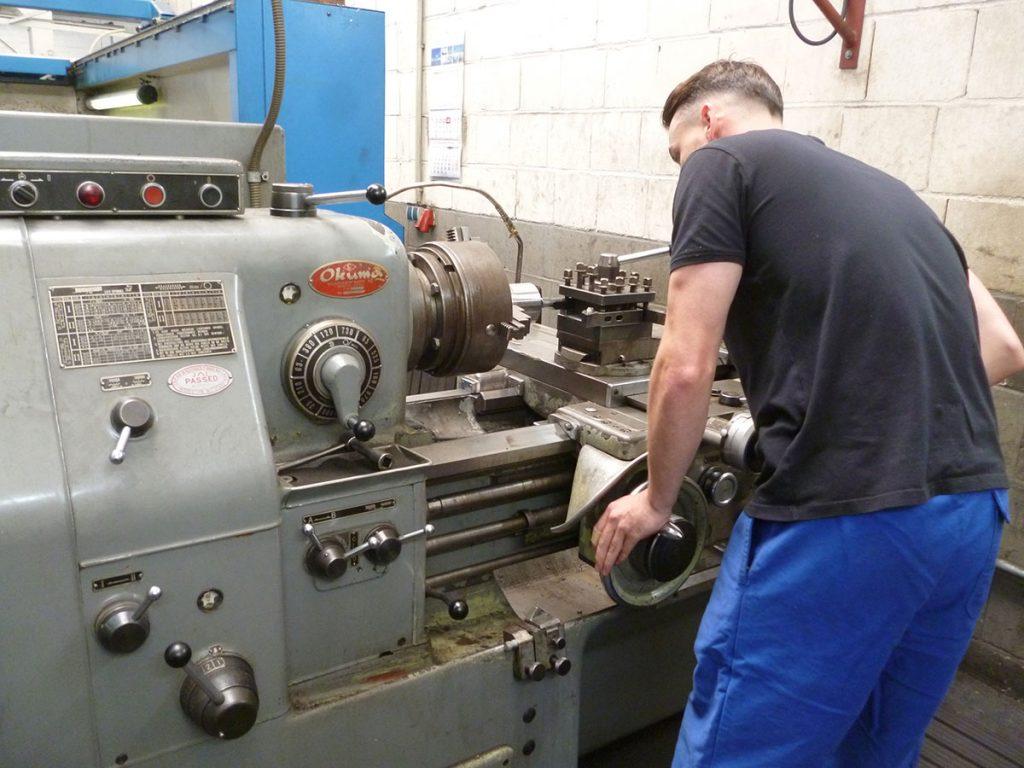 Kornfeld Maschinenbau Demofoto Ausbildung